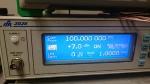 Signal Generator 100MHz